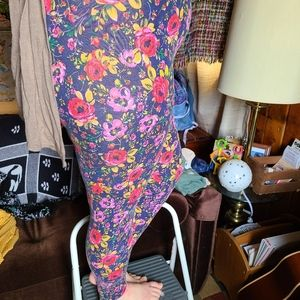 M Vibrant Floral Leggings by LC